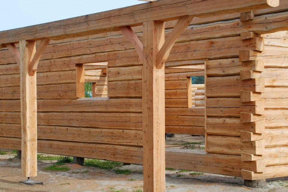 Dovetail Log Home Porch