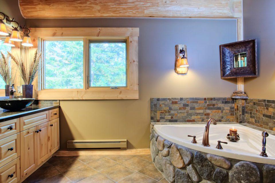 Log Cabin Bath