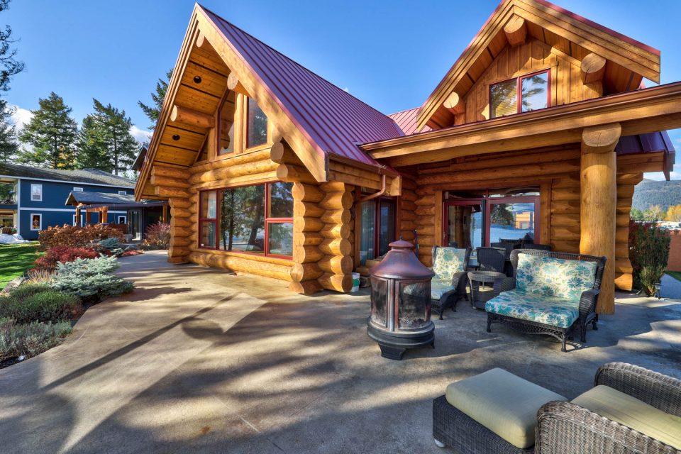 Log Cabin Lakeside