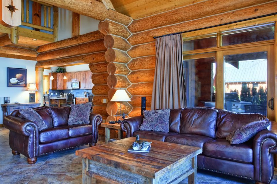 Log Cabin Lakeview Living