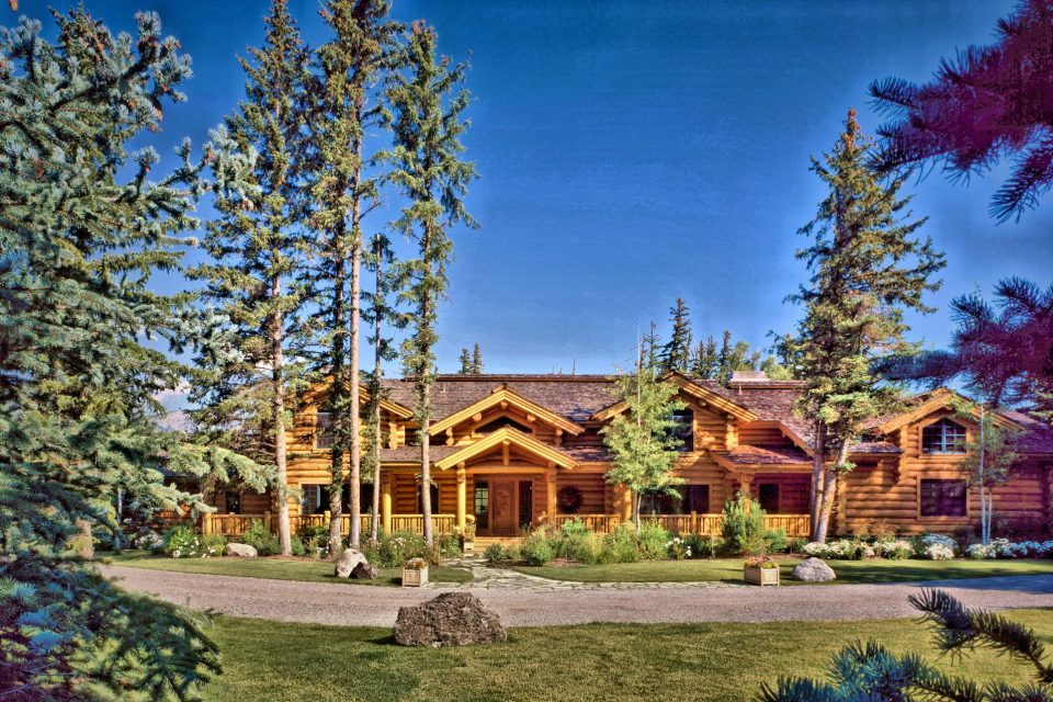 Log Home Wyoming Exterior