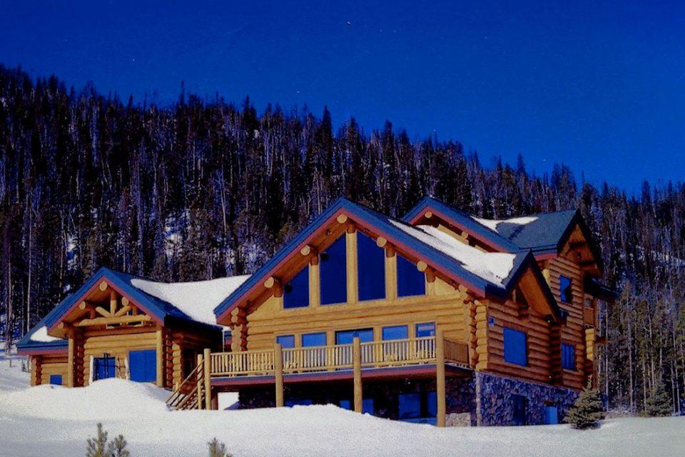 Log Lodge Slopeside