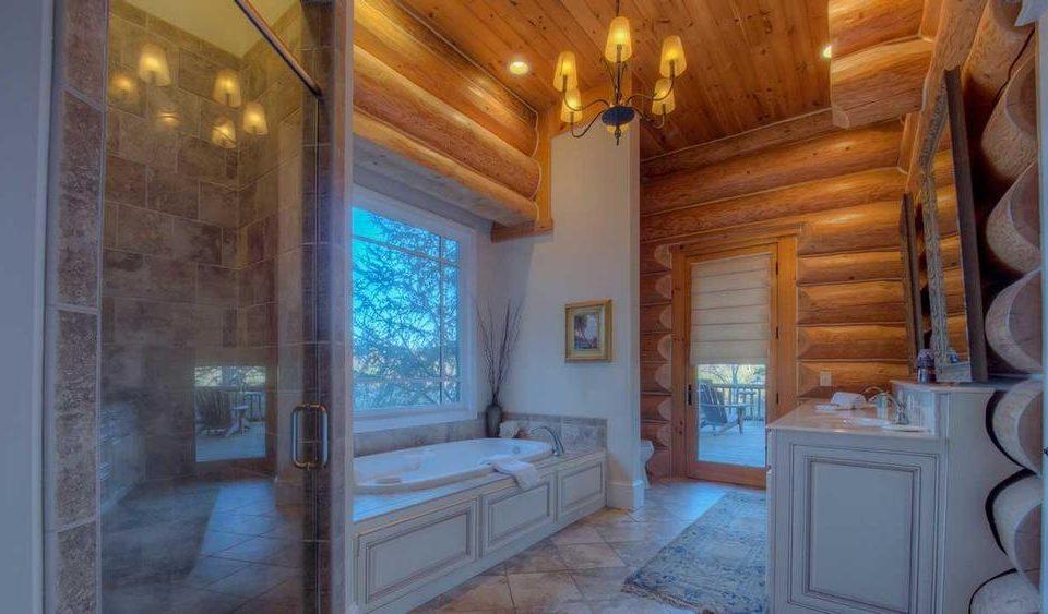 Log House Spa Bathroom